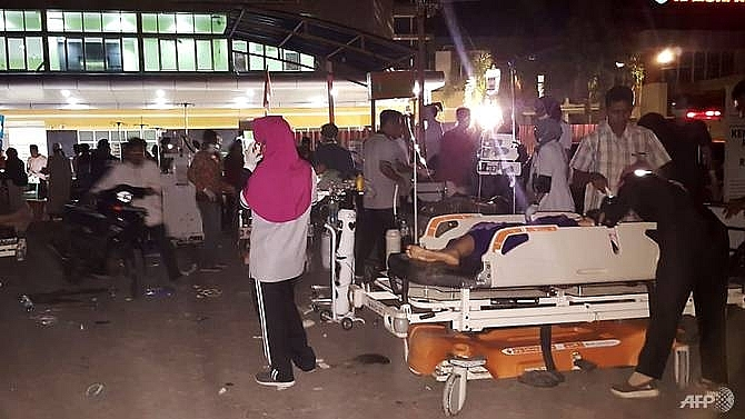 82 dead after 69 magnitude earthquake hits indonesias lombok island