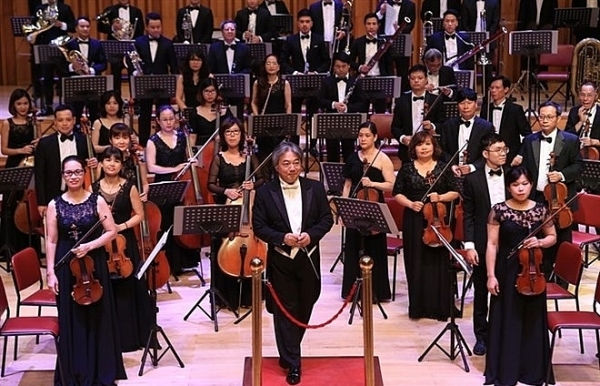 soloists team up to perform classical brahms piece