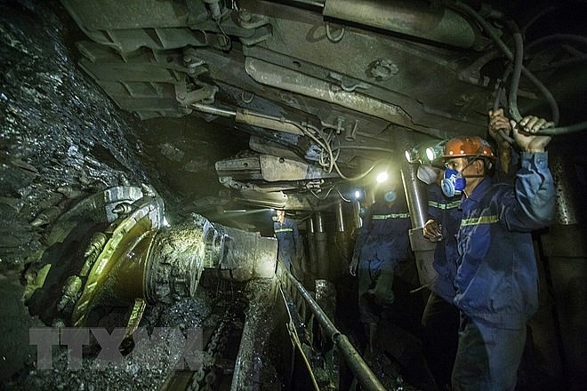 quang ninh coal mine accident kills one injures another