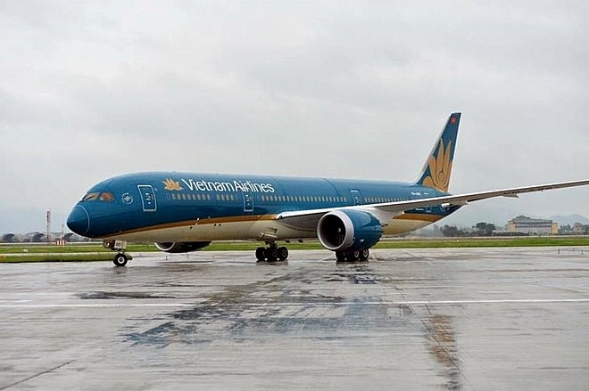 vietnam airlines adjusts flights fromto japan due to storm