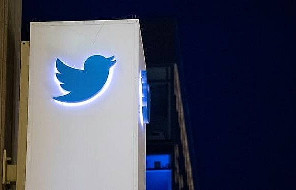 french court orders twitter to change smallprint after privacy case
