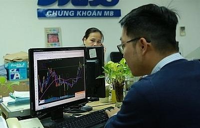 vn stocks gain on divestment plans