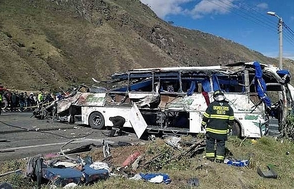 Authorities struggle to identify Ecuador tourist bus crash victims