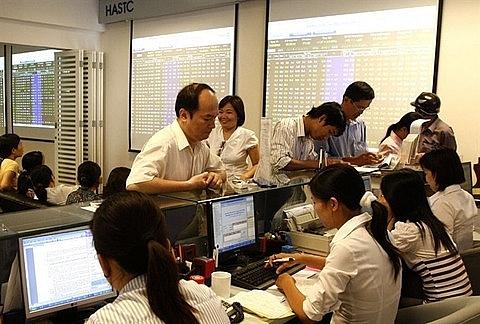 vn stocks rally on global developments