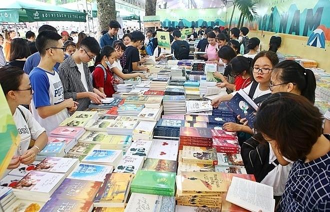 autumn book festival opens in hanoi