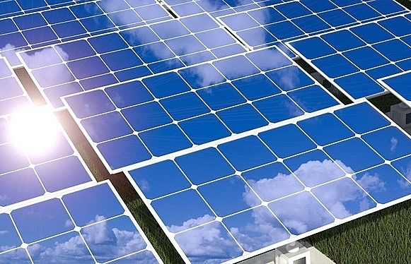 pv manufacturers go head to head