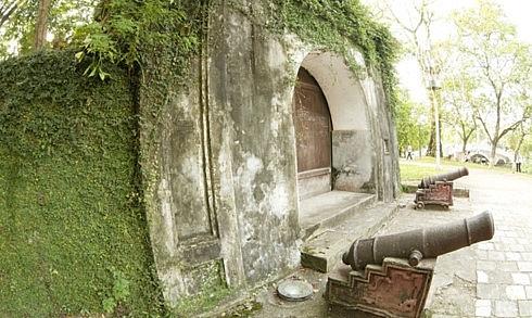 son tay ancient citadel a unique historical relic site of hanoi