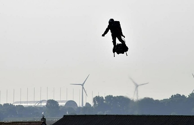 french flyboard inventor poised for 2nd channel crossing bid