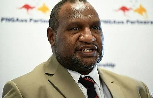 papua new guinea asks china to refinance us 8 billion public debt