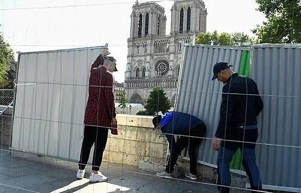 paris launches notre dame lead decontamination work