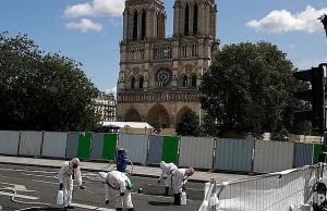 notre dame works resume in paris after lead scare