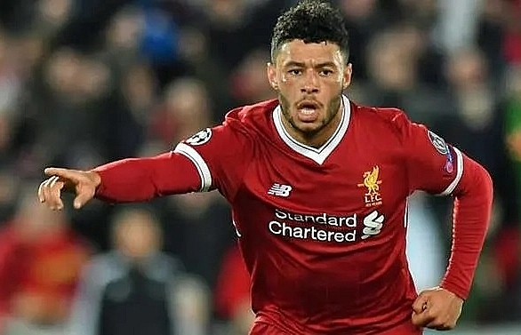 oxlade chamberlain signs new liverpool deal