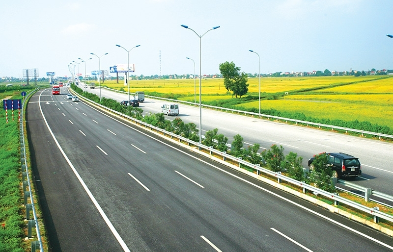 vietnam gathering speed to traverse evfta expressway