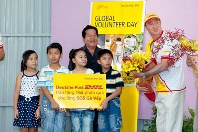 deutsche post dhl employees in vietnam mark global volunteer day