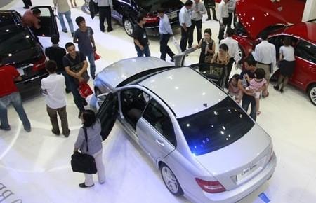 auto sector still faces a bumpy road