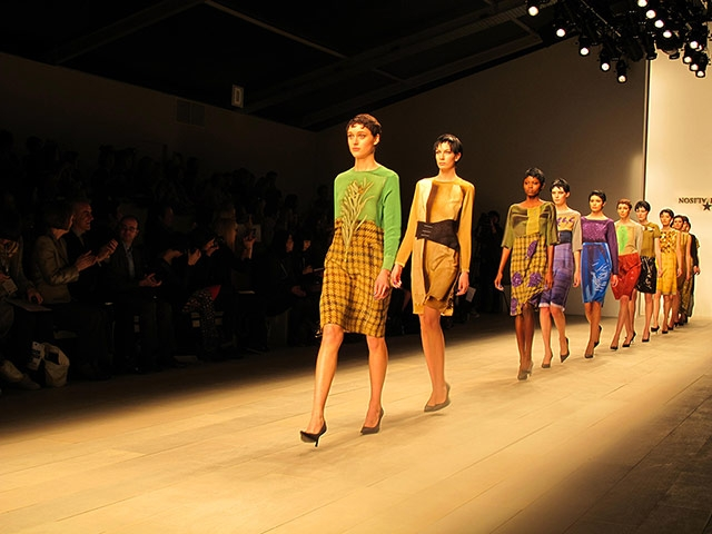 London Fashion Week launches with painting masterclass