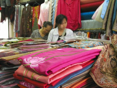 hanoi plans to lure more tourists with the tours to craft villages