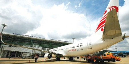 aviation firms fly to foreign funds