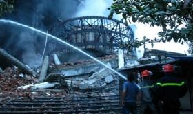 trade center fire burns goods worth 236 mln