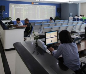 Shares decline after mid-week holiday