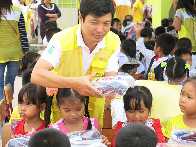 capitaland vietnam and ascott support vietnamese students in new school year