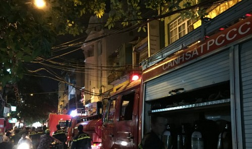 Hotel fire in Hanoi's Old Quarter terrifies guests, mostly foreigners