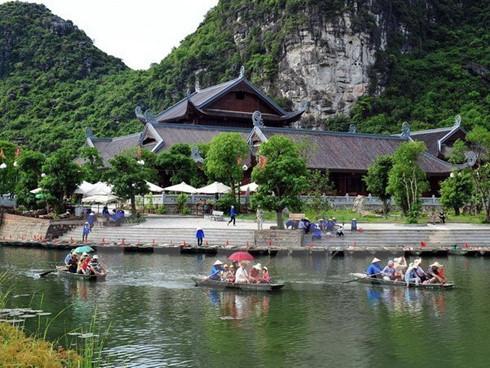 ninh binh seeks to promote trang an landscape complex values