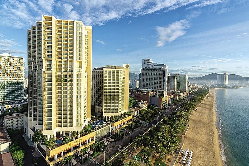 discerning elites demand top end resort properties
