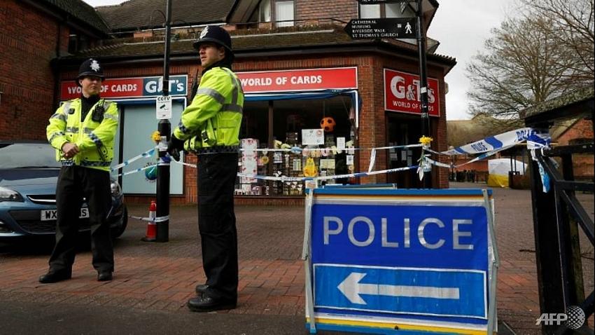 uk cops track movements of novichok suspects