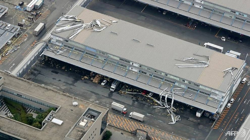 japans kansai airport to reopen partially after typhoon damage
