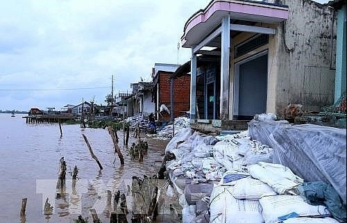can tho faces landslide threats to relocate 9400 households along rivers canals