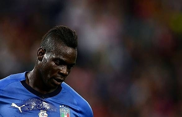 balotelli dropped for italys nations league game in portugal