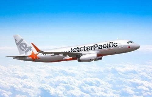 carrier cancels more flights to japans osaka due to typhoon jebi