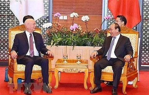 pm nguyen xuan phuc receives wef executive chairman