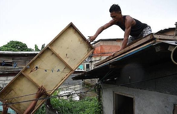 super typhoon mangkhut blasts into philippines