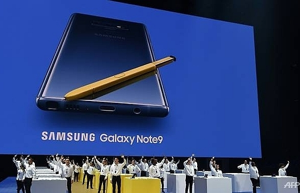 samsung sets new galaxy device launch for october