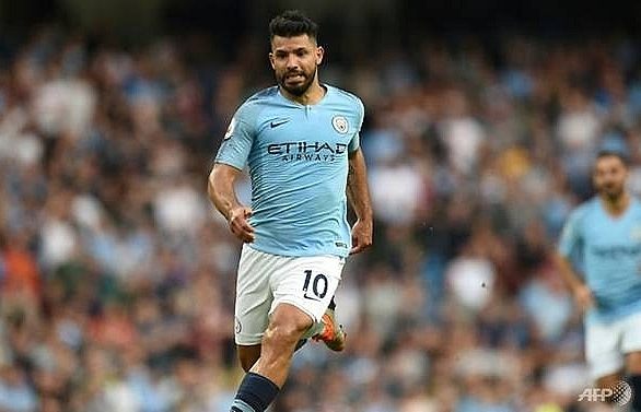 man citys record scorer aguero extends stay