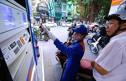 petrol price increased by vnd320 per litre