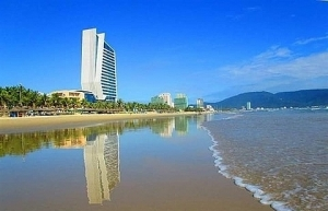 positive tourism growth lures hotel and resort investors to da nang