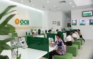 banks unexpectedly drop deposit rates