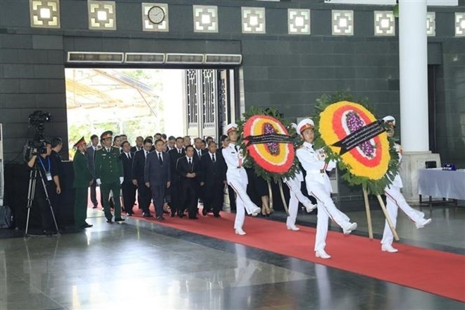 1500 delegations pay tribute to president tran dai quang