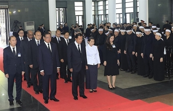 foreign friends pay tribute to late president tran dai quang