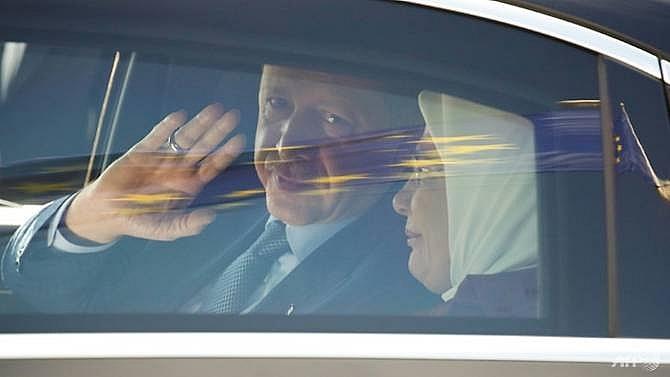 merkel erdogan vow to rebuild ties despite rifts