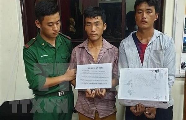 dien bien two men caught carrying 20000 meth pills
