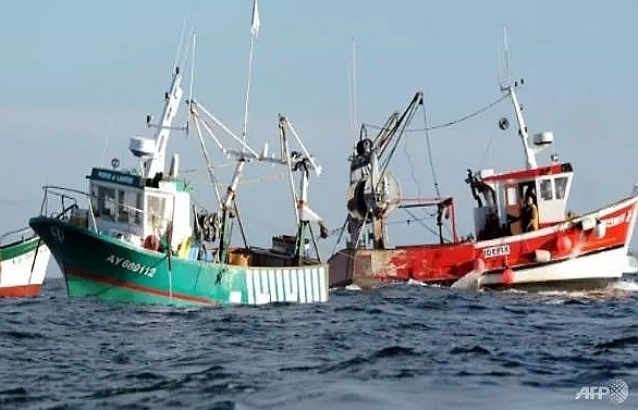 hard brexit threat looms over french fishing fleet