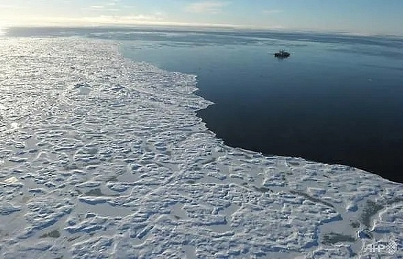 climate change takes toll on oceans ice un report