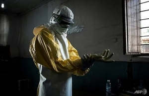 who accused of rationing ebola vaccine in democratic republic of congo