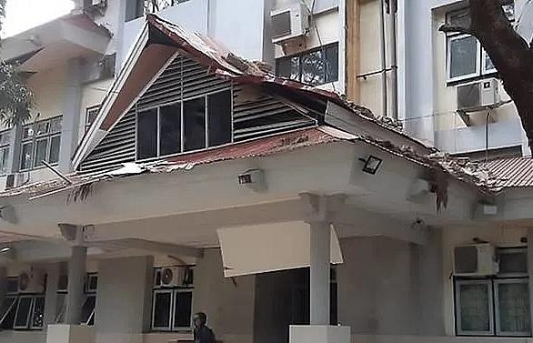 strong 65 magnitude quake strikes eastern indonesia usgs