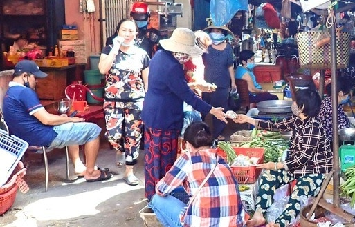 strict covid 19 preventive measures needed at hcm citys markets