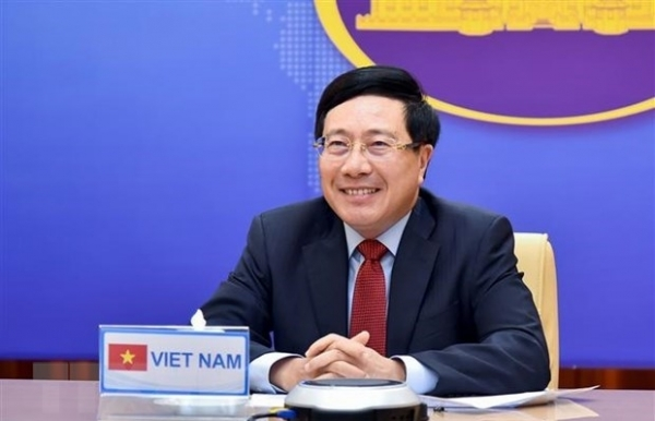 vietnam thailand expand cooperation in different sectors